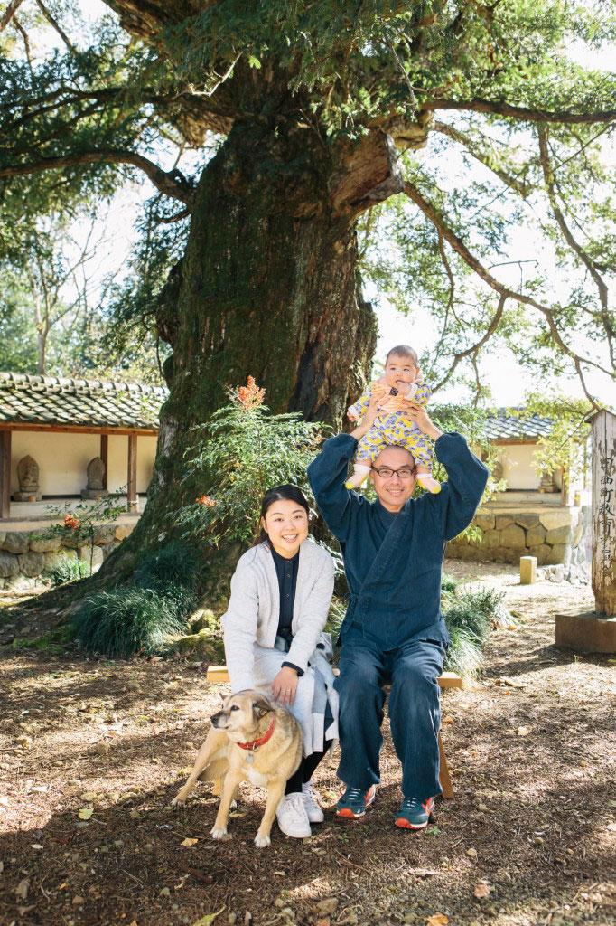 家族と犬の家族写真
