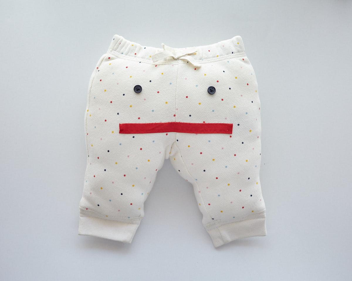 思い出の詰まった子どもの服でつくったぬいぐるみ